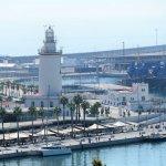 Blick zum La Farola (Leuchtturm am Hafen)