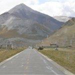 Fahrt durch die Bergtäler