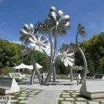 Im Park ein Denkmal zur Entwicklung von Tibet