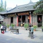 Gang durch den Wenshu-Tempel