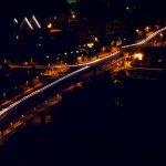 Porta-Brücke bei Nacht