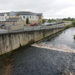 Sieht aus wie irischer Whiskey: Glentogher River in Carndonagh