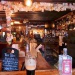 The Olde Clen Bar - bekannt durch ihren selbst gebrannten Gin